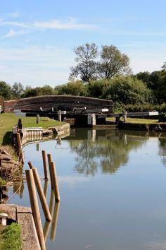 Kennet & Avon Canal, near Kintbury. Newbury and Return from Aldermaston Wharf available on a 3night short break.