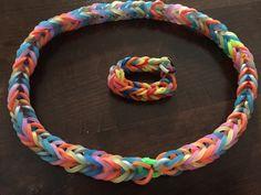 Gummiarmbänder in Massen produziert (Ferdinand Ferdinand, Crochet Necklace, Jewelry, Inventions, Crafts, Creative, Crafting, Jewlery, Jewerly