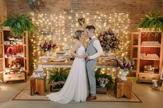 DIY Wedding Centerpieces: Tips and How-To - Put the Ring on It Casual Wedding, Trendy Wedding, Diy Wedding, Wedding Ceremony, Wedding Gowns, Bridal Gowns, Wedding Ideas, Dinner Party Decorations, Wedding Decorations