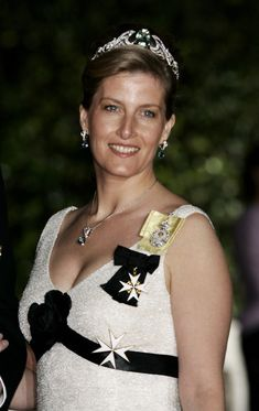 Here's Sophie debuting the Wessex Aquamarine Tiara at the Coronation Gala of Prince Albert II of Monaco. Sophie seems to be wearing a matching pair of aquamarine earrings and necklace.