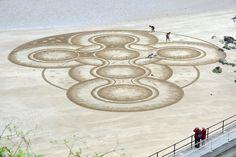 Ο Marc Treanor ζωγραφίζει αριστουργήματα στην άμμο  thetoc.gr