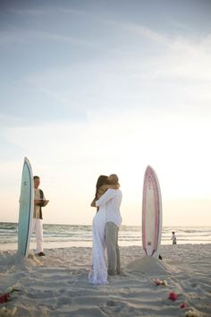 Beach elopement at sunset (Adria Peaden Photography)