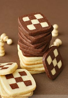 Checkerboard Cookies cups all-purpose flour 1 tsp baking powder 1 tsp salt 1 lb cups or 4 sticks) unsalted butter, at room temperature 2 cups granulated sugar 1 tbsp pure vanilla extract 2 large eggs, at room temperature cup unsweetened cocoa powder Icebox Cookies, No Bake Cookies, Yummy Cookies, Cake Cookies, Cupcake Cakes, Shortbread Cookies, Biscotti Cookies, Biscotti Recipe, Fancy Cookies