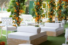 Set on the idyllic grounds where Hollywood celebrity and polo connoisseur Will Rogers used to play polo himself, the Veuve Clicquot Polo Classic Los Angeles 2018 returned to Will Rogers State Historic Park. Lounge Decor, Lounge Furniture, Outdoor Furniture Sets, Outdoor Decor, Classic Men, Polo Classic, Veuve Cliquot, Long Couch, Wedding Lounge