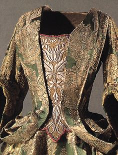 1700 mantua Denmark 17th Century Clothing, 17th Century Fashion, 18th Century Dress, 18th Century Costume, Historical Clothing, Historical Dress, Baroque Dress, Vintage Outfits, Vintage Fashion