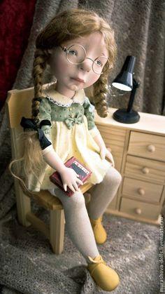 Коллекционные куклы ручной работы. Ярмарка Мастеров - ручная работа Девочка с Кафкой. Handmade.