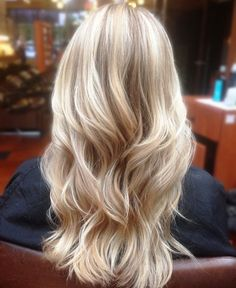 Balayage blond platine Platine blonde et cheveux blancs