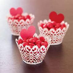 Paper Lace Candy Cups - Ideas that Erin at 3beekmanplaceapartment would do. Not sure where the original or purchase information came from. Love these cups though.
