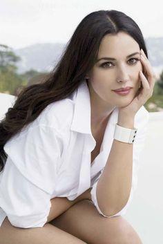 Monica Belluci  F A B U L O U S!!!!!!!!!!!!!!!!!!!!!!!!!. HERMOSA, SIEMPRE LINDA, AGRADABLE MIRADA.