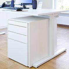 Rollcontainer griffllos aus weiß durchgefärbter Kompaktplatte