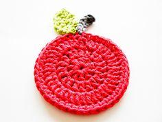 Crochet Apple Coaster (free pattern).