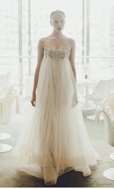 Zahavit Tshuba Ella: buy this dress for a fraction of the salon price on PreOwnedWeddingDresses.com