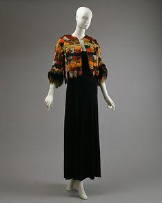 Halston jacket ca. 1975 via The Costume Institute of the Metropolitan Museum of Art 1970s Dresses, Vintage Dresses, Vintage Outfits, Vintage Fashion, Fashion Wear, Fashion Outfits, Ladies Fashion, Vintage Wardrobe, Costume Institute