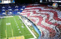 America Beautiful / Packers crowd gets patriotic with huge American flag  ~   displaysports.yahoo.com