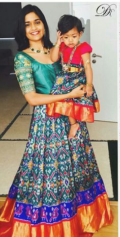 Order contact my whatsapp number 7874133176 Mom And Baby Dresses, Mother Daughter Dresses Matching, Mother Daughter Fashion, Girls Dresses, Mom Daughter, Long Gown Dress, Saree Dress, Sari, Saree Blouse