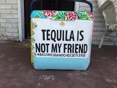 From the cooler connection. Not my photo. Kate spade cooler