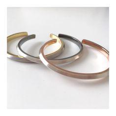 Nós aqui adoramos as pulseiras Setas que agora podem ser encontradas em dois…