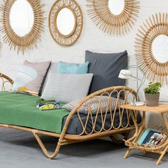 French Home Decor, Vintage Home Decor, Style Vintage, Paris Apartment Interiors, Provence Style, Rattan Furniture, Bedroom Decor, Sweet Home, House Design