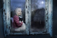 Agata and the cat (under the moonlight) - null