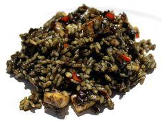Una deliciosa receta de arroz negro con sepia y salsa alioli, un plato muy facil de cocinar, y de los que quedan espectaculares a la mesa. Animate a preparar...