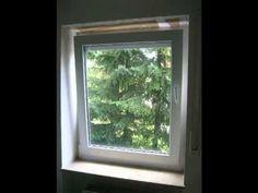 Altes Kunststofffenster und neues Holz-Aluminium-Fenster ------------ old pvc window and new wood-aluminium-window