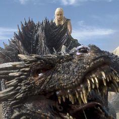 """Os atores do elenco de """"Game of Thrones"""" no primeiro e no último episódio Primeira aparição: """"Fire and Blood"""" (Episódio 10, Temporada 1) Última aparição: """"The Winds of Winter"""" (Episódio 10, Temporada 6) - Drogon"""