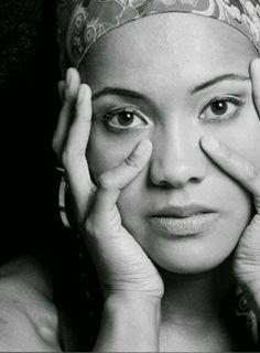 Bom Lazer - Seu fim de semana começa aqui: Carla Gomes interpreta músicas dos grandes mestres...
