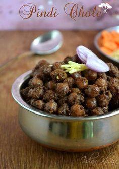 Pindi Chole reicpe or Rawalpindi chole or Pindi Chana is popular Punjabi Chole recipe made with minimal ingredients. Punjabi Pindi Chole Masala Recipe, How to make pindi chole. Chickpea Recipes, Veg Recipes, Curry Recipes, Indian Food Recipes, Cooking Recipes, Indian Snacks, Punjabi Recipes, Pulses Recipes, Recipies