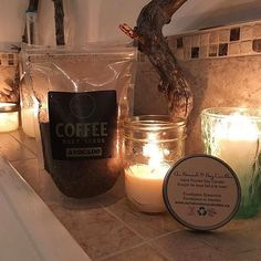 Don't forget to relax during the holidays! 😌🎄 Babe @puce30 enjoying her new avocado scrub! 🥑☕🛁  www.Janessence.com