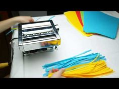 How to Cut Paper for Quilling Art - Make Paper Strips - Bing video Quilling Videos, Arte Quilling, Origami And Quilling, Quilling Techniques, Paper Quilling Tutorial, Paper Quilling Designs, Quilling Paper Craft, Quilling Jewelry, Free Quilling Patterns