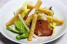 Salade César par Alain Ducasse Alain Ducasse, Charcuterie, Sauce Cesar, Bacon, What You Eat, Tuna, Salads, Cooking Recipes, Fish