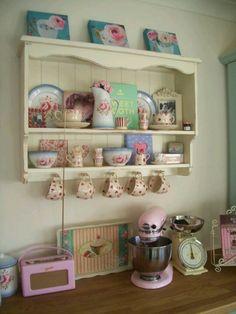 *・゜*:fairynests:*゜・*...just an adorable collection and love the way it's displayed.