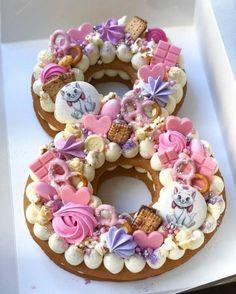 Pasteles en forma de números number cake Cakes in the form of number cake numbers Number Birthday Cakes, 8th Birthday Cake, Number Cakes, Birthday Kids, Cake Cookies, Cupcake Cakes, Cake Lettering, Cake Shapes, Biscuit Cake
