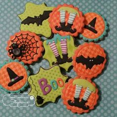Halloween cookies by Sweet Creations by Stephanie Ghost Cookies, Fall Cookies, Iced Cookies, Cute Cookies, Holiday Cookies, Cupcake Cookies, Thanksgiving Cookies, Halloween Food Crafts, Halloween Desserts