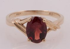Mid-century oval garnet ring.