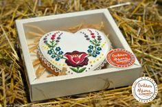 Kalocsai mézeskalácsszív ünnepekre Feliratozható
