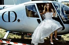dior campaign Natalie Portman is a runaway bride in new Miss Dior frag. - dior campaign Natalie Portman is a runaway bride in new Miss Dior fragrance film … dior - Miss Dior, Natalie Portman Dior, Natalie Portman Black Swan, Dior Fragrance, Dior Perfume, Timothy Hutton, Nathalie Portman, Runaway Bride, Cult Movies