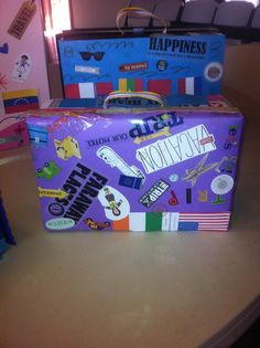 A World of Girls Journey - Brownie project. Luggage made from shoeboxes. Fun!!!