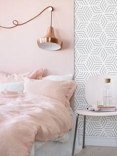 Pink Bedroom Decor, Pink Bedrooms, Pink Home Decor, Gold Bedroom, Bedroom Ideas, Master Bedroom, Design Bedroom, Modern Bedroom, Bedroom Inspiration