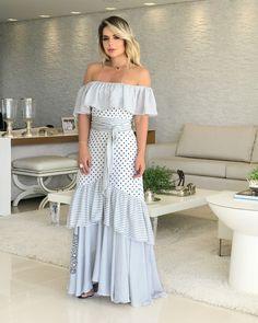 Aquele vestido cheio de leveza, com foco no mix de estampas! 🖤 . #modafeminina #fashion #moda #mulher #lojabiswear #elasusambiswear #dicatrend #goiania