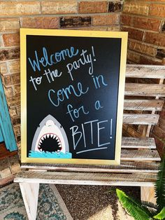 How to throw a shark themed birthday party, on a budget! See all the sweet detai… Advertisements How to throw a shark themed birthday party, on a budget! See all the sweet details of this shark party first birthday and… Continue Reading → Baby Boy 1st Birthday, Summer Birthday, 6th Birthday Parties, Birthday Ideas, Circus Birthday, Circus Party, Card Birthday, Birthday Month, Summer Parties