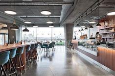 Kontorsfastigheten Hus1 före detta Sydsvenskanhuset är Malmös mesta landmärke och stod klart år 1965. Då var det tidningen Sydsvenskans pampiga huvudkontor. Idag är byggnaden under stor förvandling och vi på Ideas skapar en modern designerdröm i detta klassiska 60-talshus. Se alla bilderna på vår hemsida www.ideas.se! Foto: @mikaelleijon . . . . #ideasdesign #ideas #design #interiordesign #concept #inspiration #officeinterior #officedesign #newoffice #interiorforinspo #f4f #interior #office…