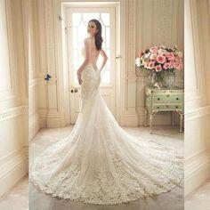 Elegant Lace Appliques Shoulder Straps Mermaid Wedding Dress