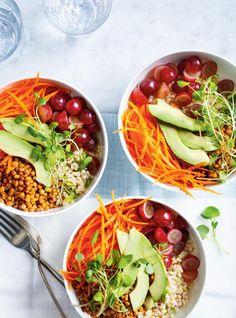 Bol-repas au riz brun, lentilles, carottes et raisins #ricardo #bowl #vegetarian