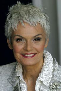 HobaCare conditions the scalp and hair. Short Silver Hair, Edgy Short Hair, Pixie Haircut For Thick Hair, Super Short Hair, Short Hairstyles For Thick Hair, Haircut For Older Women, Short Hair With Layers, Short Hair Cuts For Women, Curly Hair Styles
