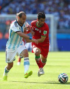 Ehsan Haji Safi & Pablo Zabaleta : Argentina v Iran: Group F - 2014 FIFA World Cup Brazil