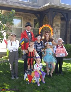 Most current Pics Family Circus - Halloween Costume Contest Circus Halloween Costumes, Halloween Costume Contest, Theme Halloween, Carnival Costumes, Halloween Outfits, Zombie Costumes, Halloween Couples, Vintage Halloween, Costume Ideas