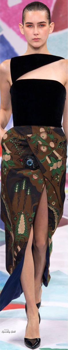 Schiaparelli Fall 2016 Couture