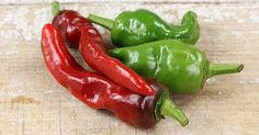 Melrose Pepper: The Chicago Sweet http://www.pepperscale.com/melrose-pepper/?utm_content=buffer279c9&utm_medium=social&utm_source=pinterest.com&utm_campaign=buffer #pepperlove #spicy #food #cooking