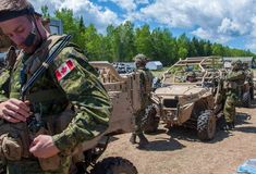 Military Gear, Military Life, Force Pictures, Canadian Army, Canada, Armed Forces, Atv, Bicycle, Modern
